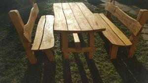 Tisch +2 Bänke